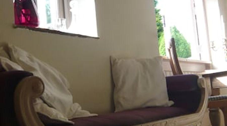 Fuchsia Bank Cottage-7 of 13 photos