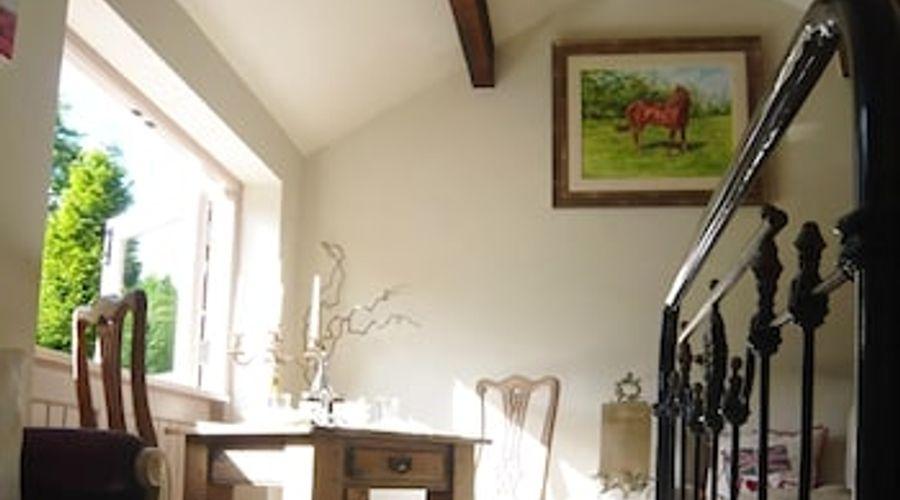 Fuchsia Bank Cottage-6 of 13 photos