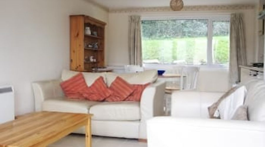 Freshwater Bay Holiday Cottages-14 of 29 photos