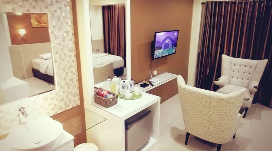 Fastrooms Bekasi Hotel-3 of 41 photos