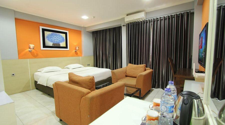 Fastrooms Bekasi Hotel-31 of 41 photos