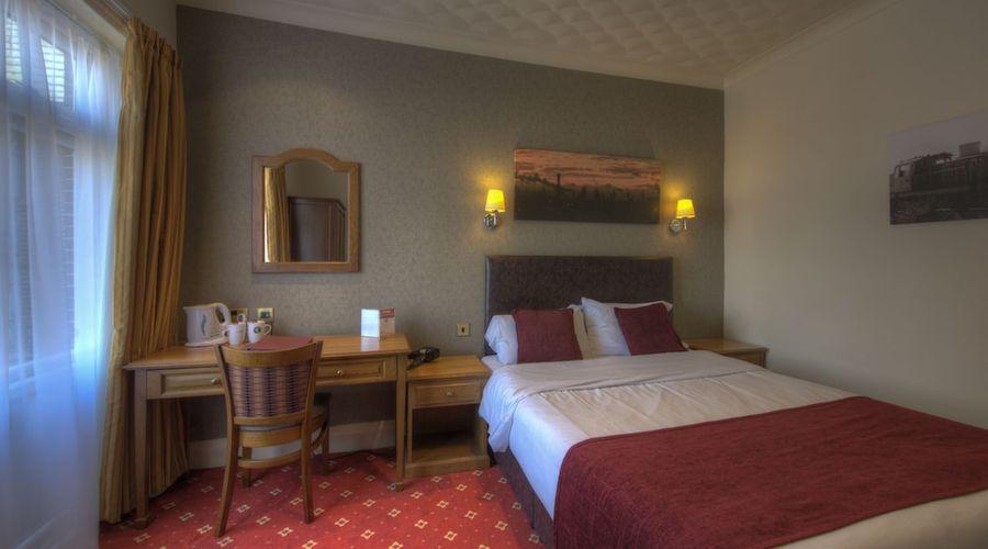 Royal Hotel-16 of 43 photos