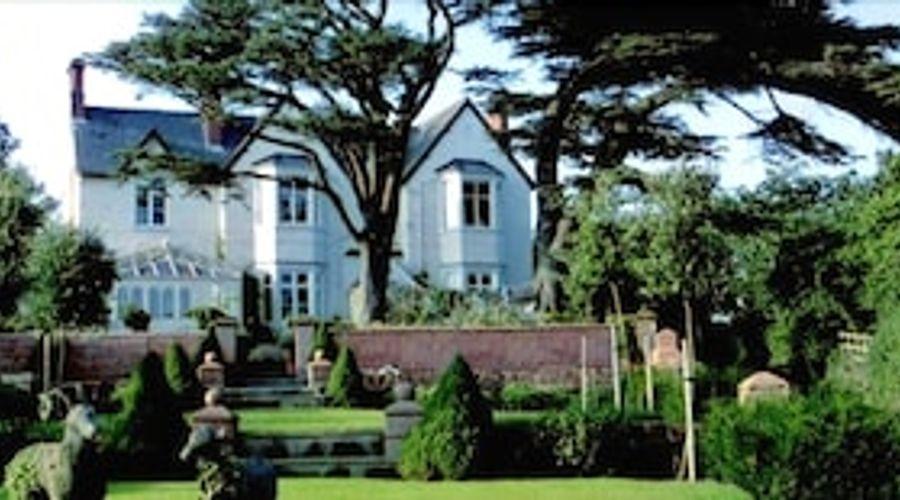 Wollaston Lodge-1 of 27 photos