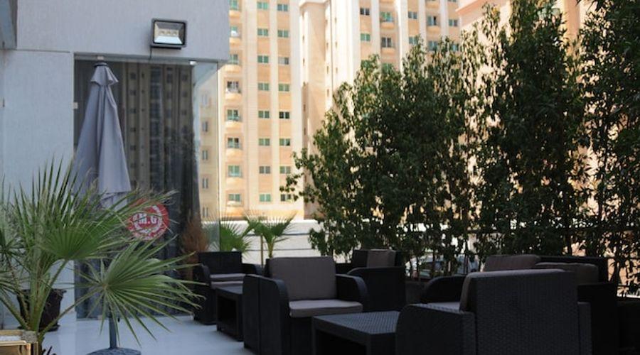 Al Muhanna Plaza Luxury Apartments-68 of 71 photos