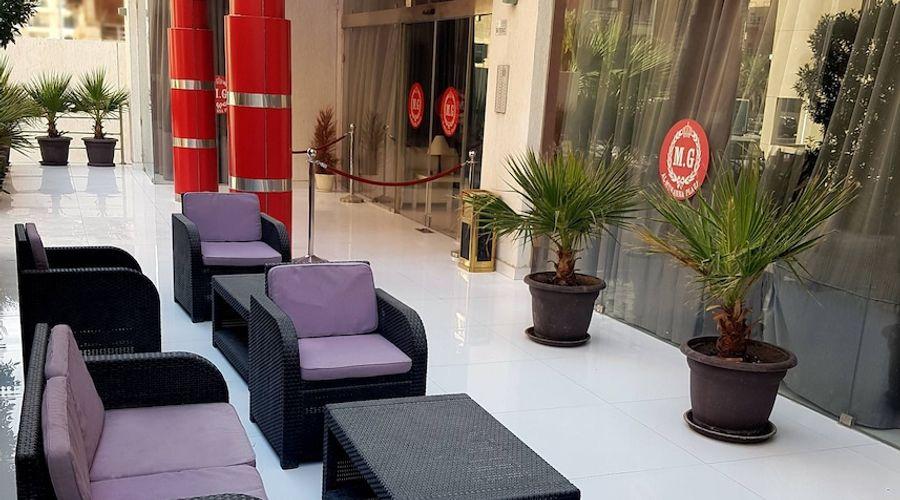 Al Muhanna Plaza Luxury Apartments-66 of 71 photos