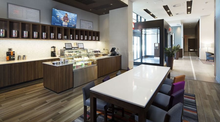 Holiday Inn Hotel & Suites Montreal Centre-ville Ouest-26 of 43 photos