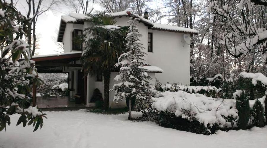 Beta Home Lake House-77 of 101 photos