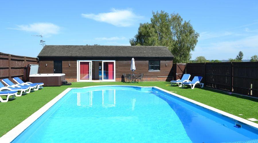 The Pool House at Upper Farm Henton-13 of 19 photos