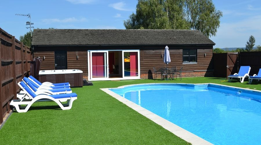 The Pool House at Upper Farm Henton-11 of 19 photos