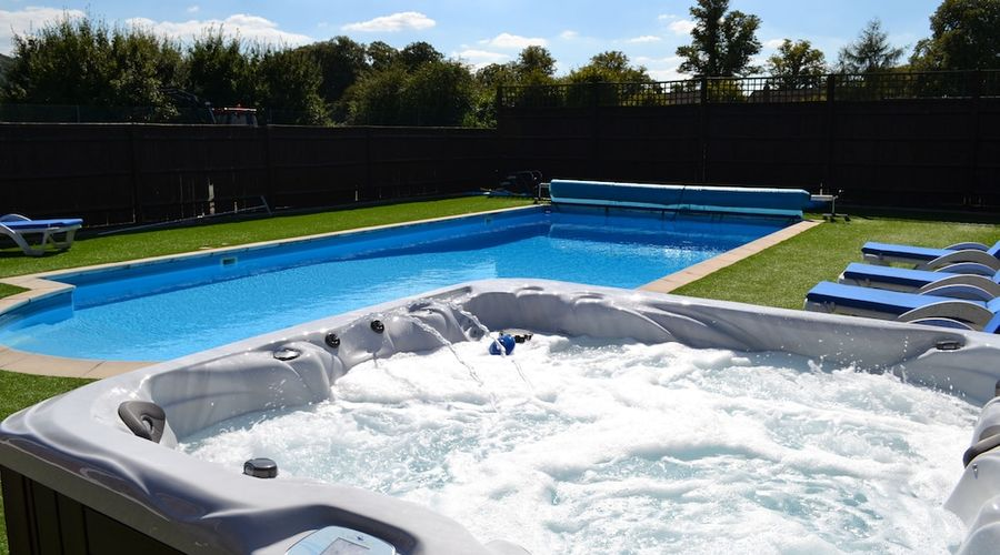 The Pool House at Upper Farm Henton-1 of 19 photos