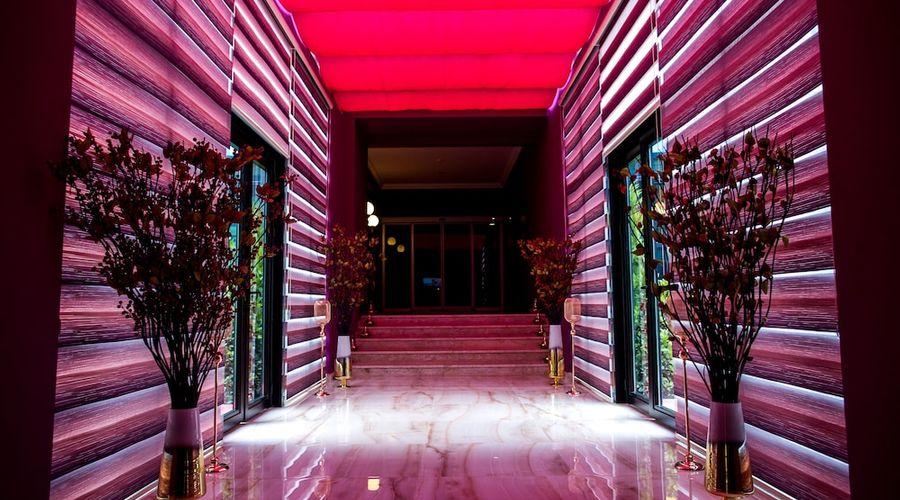 Rich Hotel-20 of 33 photos