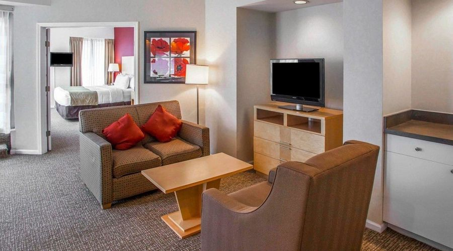 Comfort Suites Michigan Avenue Loop-18 of 51 photos