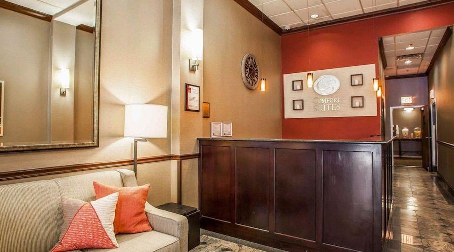 Comfort Suites Michigan Avenue Loop-3 of 51 photos