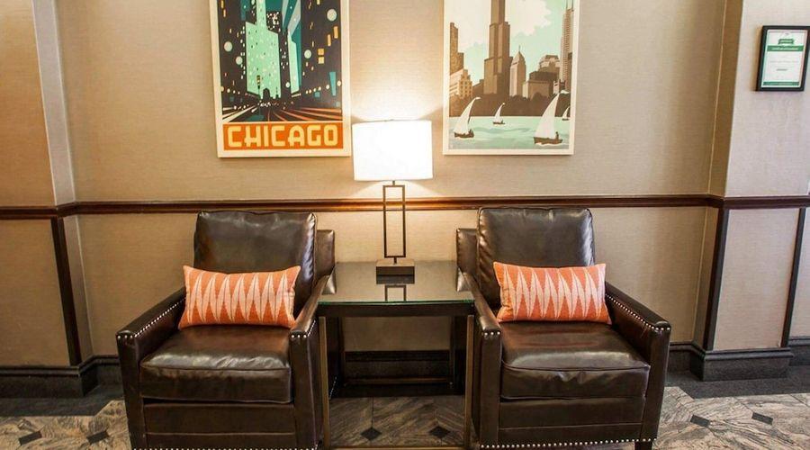 Comfort Suites Michigan Avenue Loop-4 of 51 photos
