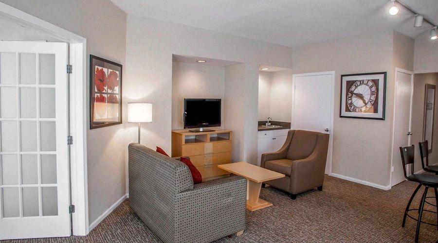 Comfort Suites Michigan Avenue Loop-20 of 51 photos
