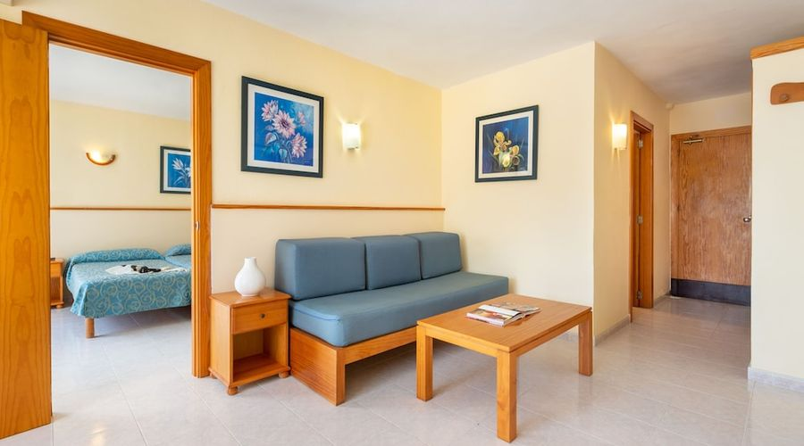Apartamentos Tropical Garden-7 of 17 photos