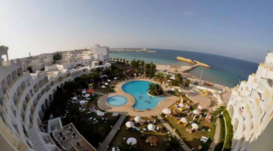 Delphin El Habib-1 of 91 photos