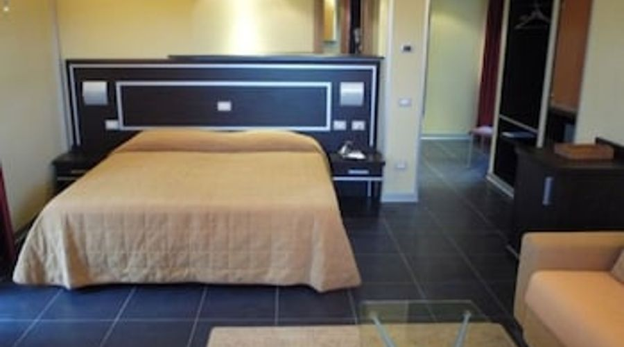 Hotel Mediterraneo-3 of 21 photos