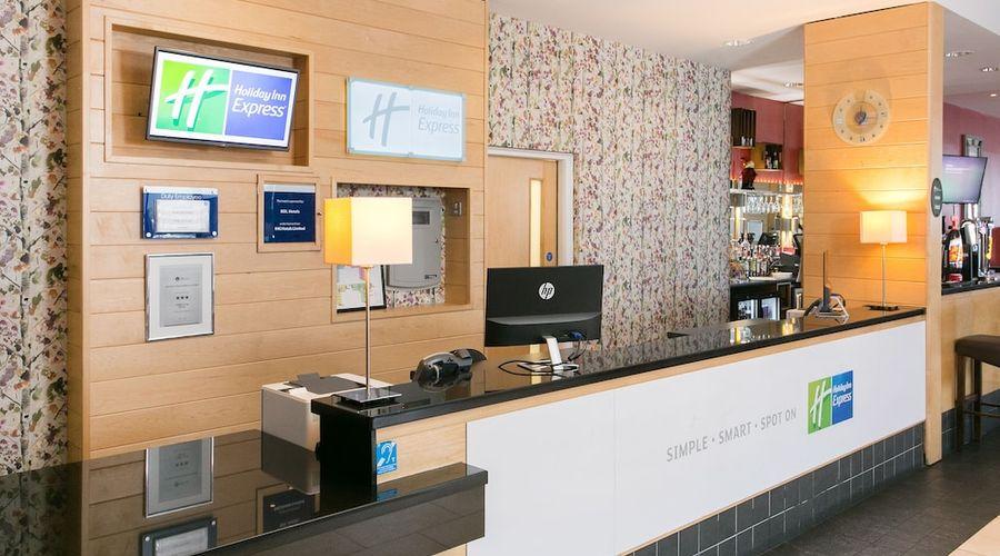 Holiday Inn Express Antrim-4 of 30 photos