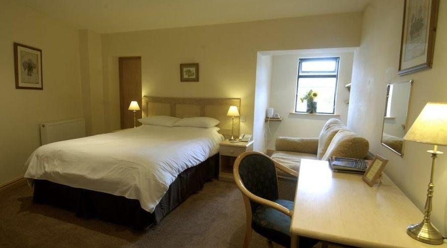 The Sleepwell Inn-3 of 8 photos