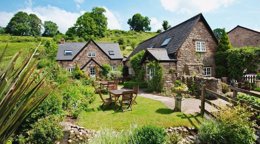 Tudor Farmhouse-1 of 53 photos