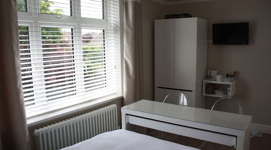 Whitstable Bay Bed & Breakfast-5 of 7 photos