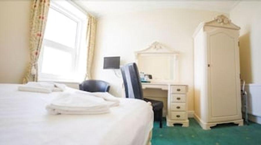 Queensbridge Hotel-1 of 13 photos