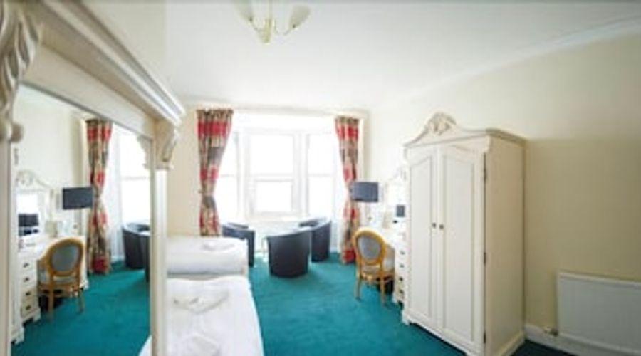 Queensbridge Hotel-6 of 13 photos
