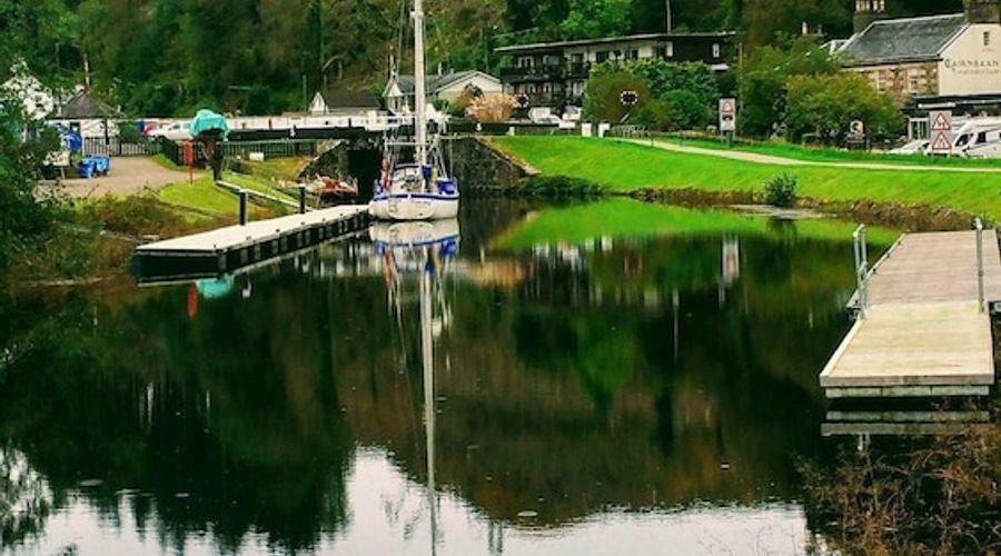 Crinan Canal Cottage No8-14 of 20 photos