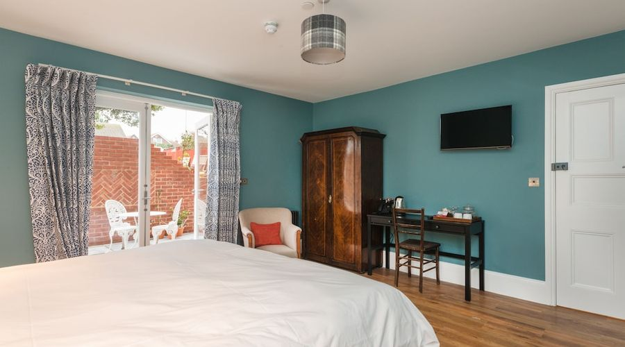 Bay Tree Broadstairs-20 of 49 photos