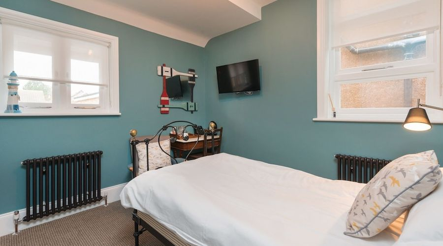 Bay Tree Broadstairs-3 of 49 photos