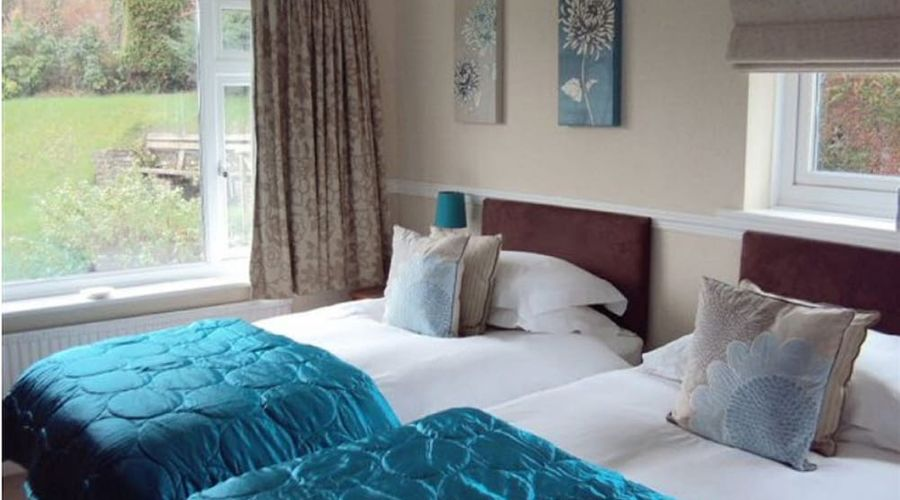 COOMBE BANK GUEST HOUSE-3 of 4 photos