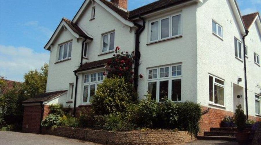 COOMBE BANK GUEST HOUSE-1 of 4 photos