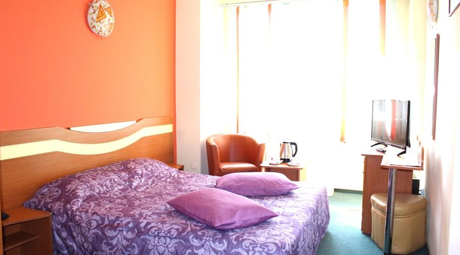 Elizeu Hotel-1 of 32 photos