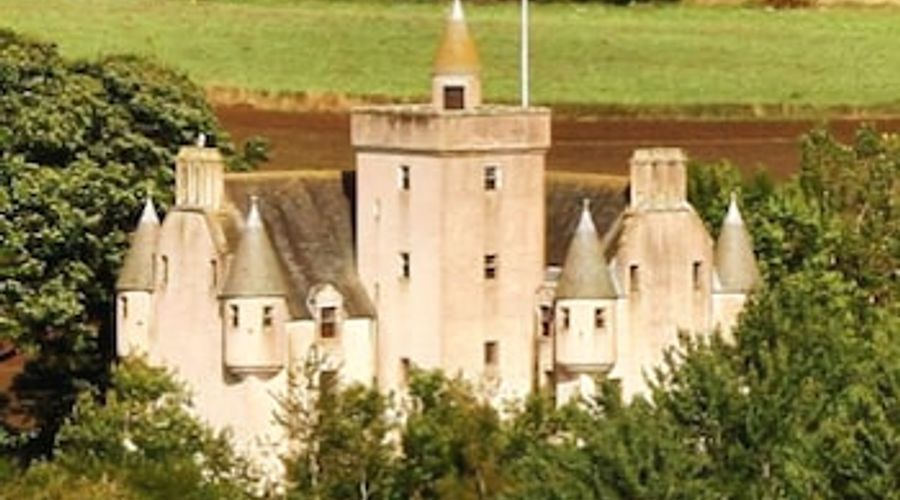 Leslie Castle-1 of 31 photos