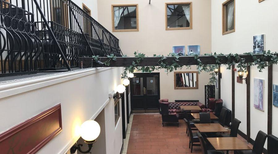 Hotel Clamart-17 of 19 photos