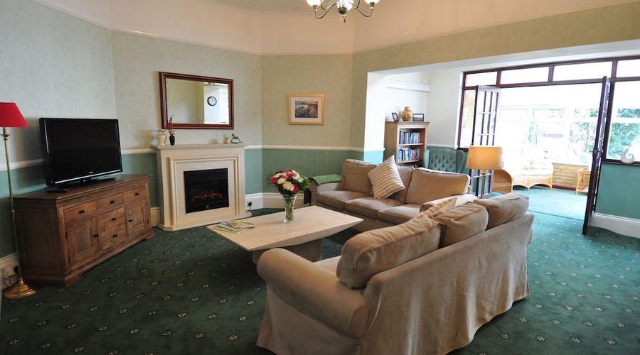 Westbury Lodge-20 of 30 photos