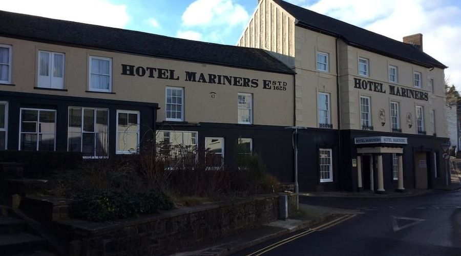 Hotel Mariners-1 of 29 photos
