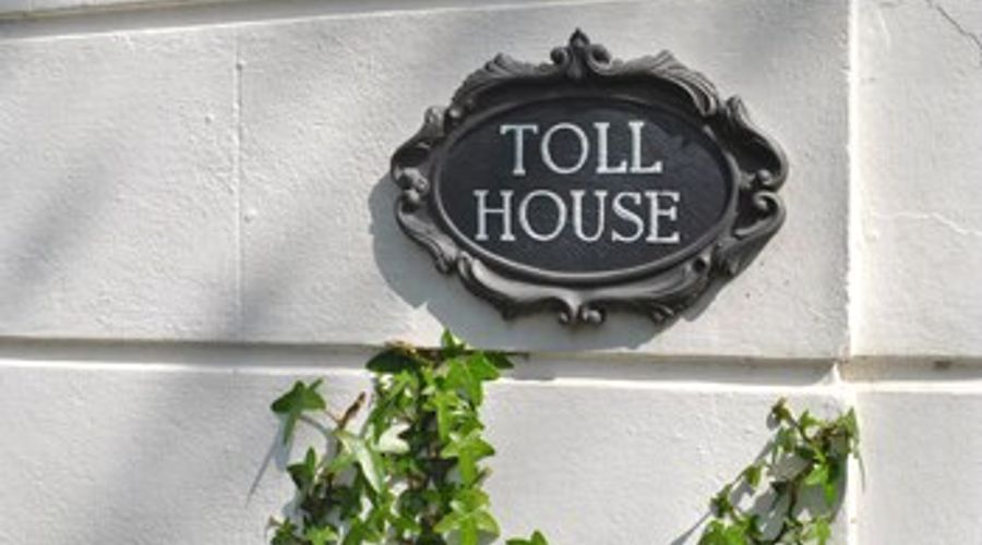 Toll House, Emsworth 37078-16 of 20 photos