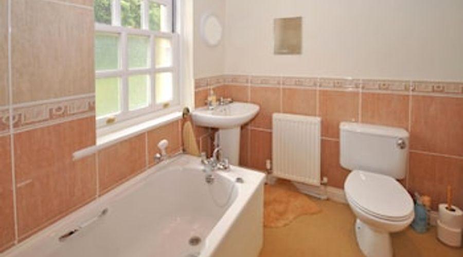 3 Woodford House, Bognor Regis 56708-11 of 12 photos