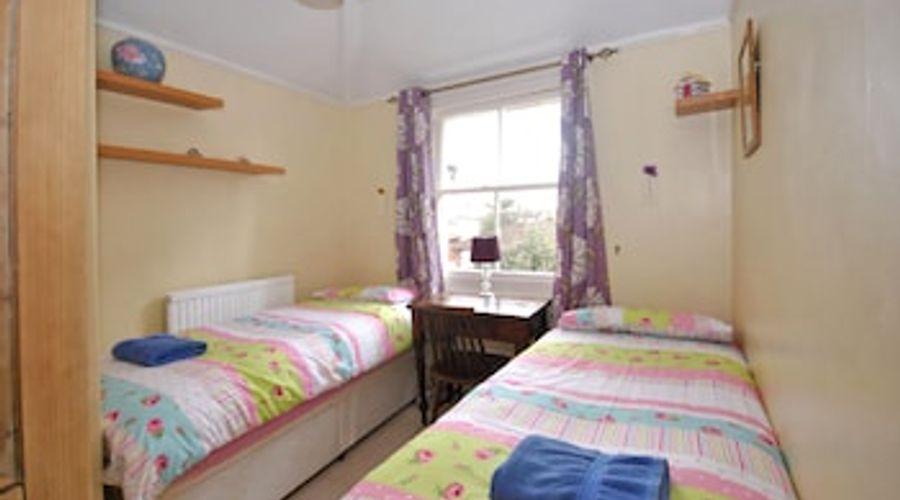 Mews Cottage, Bognor Regis 61001-4 of 13 photos