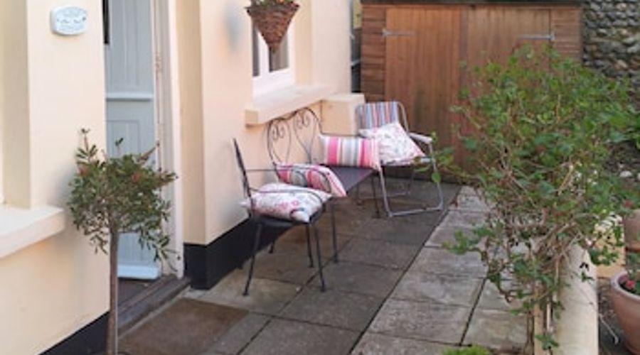 Mews Cottage, Bognor Regis 61001-9 of 13 photos