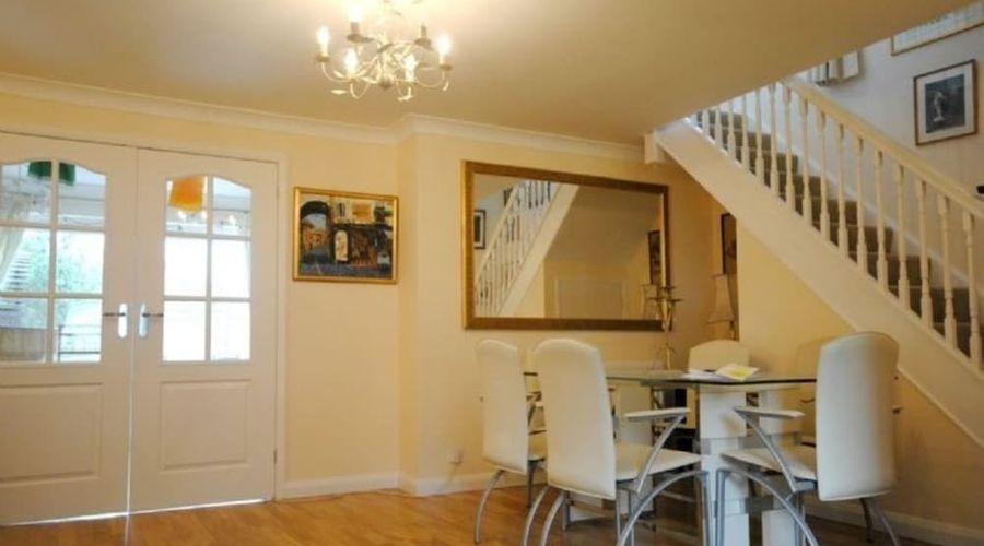 Annies Cottage, Emsworth 400255-7 of 16 photos
