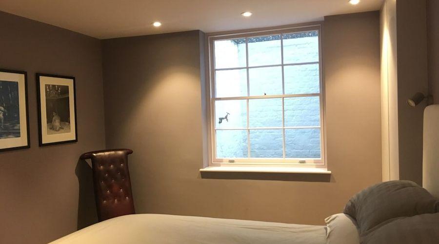 1 Bedroom Flat In Kensington-4 of 14 photos