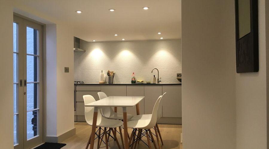 1 Bedroom Flat In Kensington-5 of 14 photos