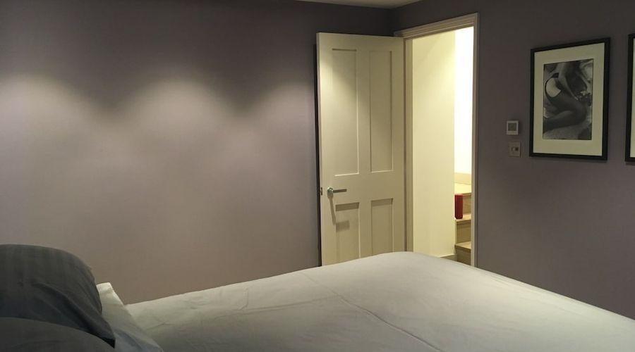 1 Bedroom Flat In Kensington-2 of 14 photos