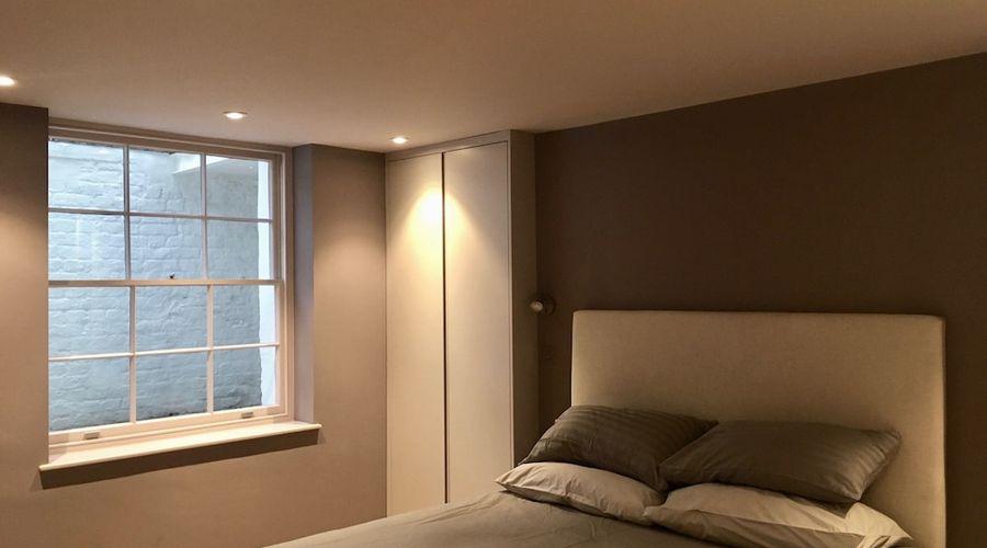 1 Bedroom Flat In Kensington-3 of 14 photos