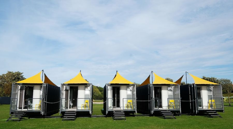 Caboose & Co - at The Hay Festival-9 of 17 photos