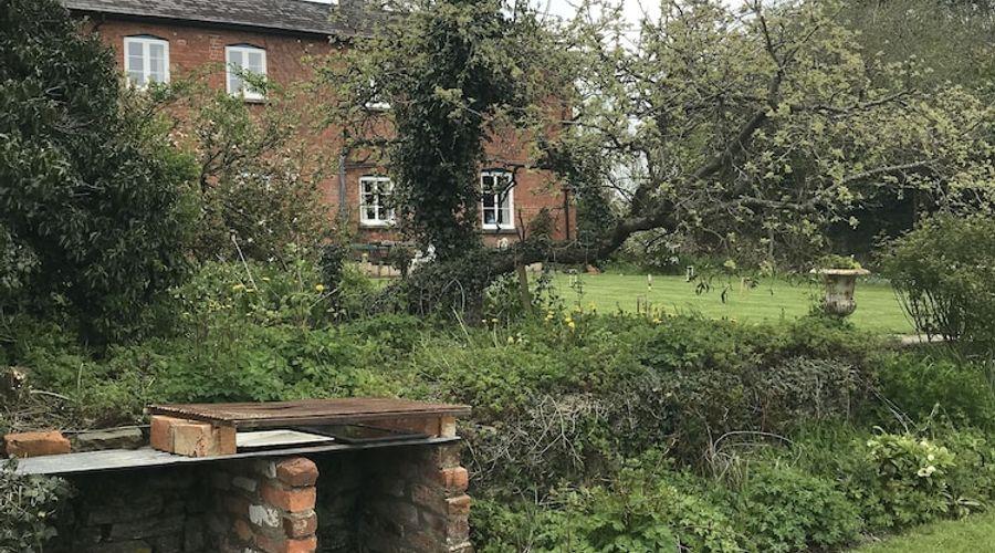 Lower Buckton Country House - Sleeps 10-36 of 42 photos