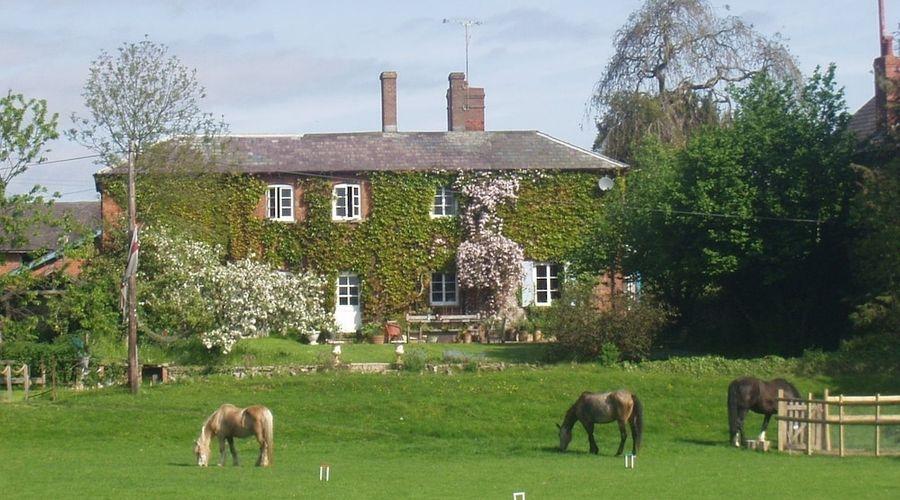 Lower Buckton Country House - Sleeps 10-1 of 42 photos